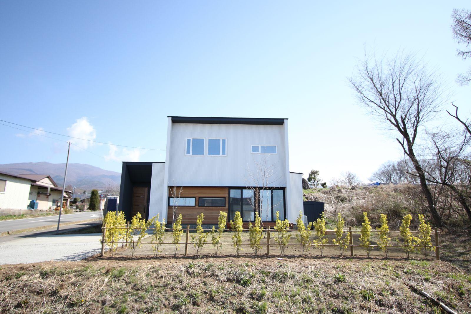 【新築】東御市鞍掛-R+house